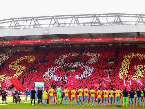 Dàn chào danh dự dành cho Steven Gerrard lần cuối cùng thi đấu ở sân Anfield