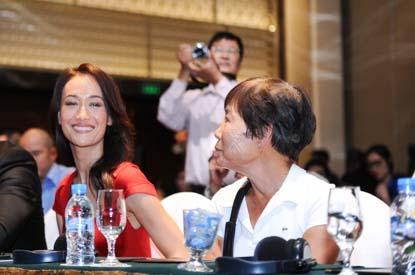 Maggie Q và người mẹ Việt Nam tên Hồng