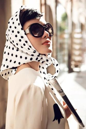 Lý Nhã Kỳ quý phái trong phong cách thời trang thập niên 60