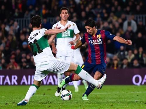 Luis Suarez ghi bàn