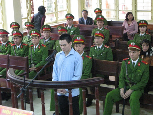 Lý Nguyễn Chung tại phiên toà sơ thẩm