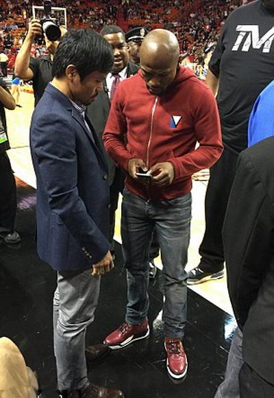 Hai bên đạt được thỏa thuận ngay tại sân bóng rổ