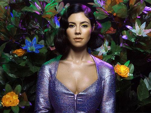 Marina and the Diamonds (Marina Diamandis) - giọng ca ấn tượng và quyến rũ của dòng nhạc indie Nguồn: Billboard