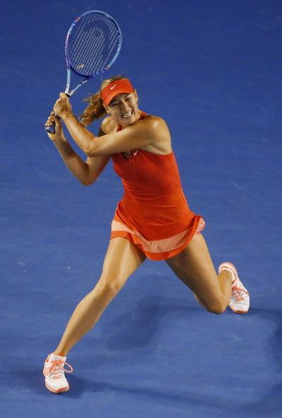 Sharapova thi đấu đầy quyết tâm