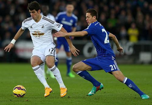 Nemanja Matic (21) thực sự là buồng phổi của Chelsea