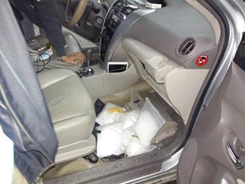 Ma túy đã là tang vật thu giữ trong xe ô tô