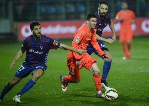 Messi ghi bàn thứ 32 cho riêng mình, ấn định chiến thắng 2-0 cho Barcelona