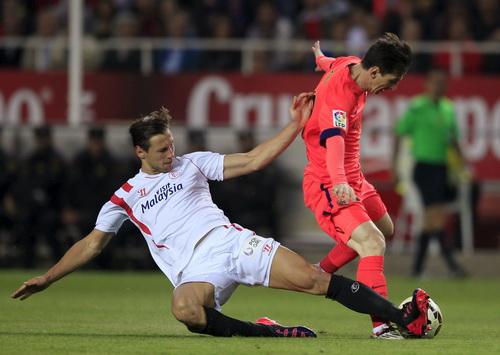 Barcelona của Messi là khắc tinh của Sevilla thời còn do Emery dẫn dắt