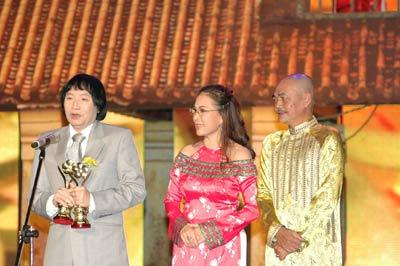 Hạnh phúc nhận Giải Mai Vàng năm 2008