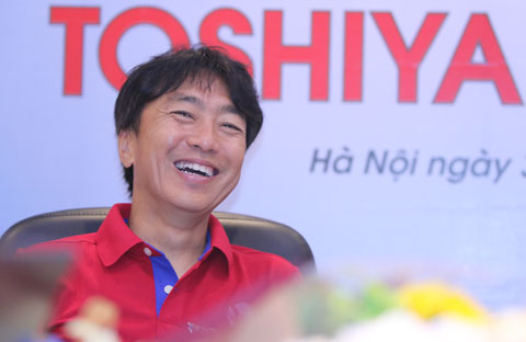 Nhà cầm quân người Nhật Bản tỏ ra lạc quan về tiềm năng phát triển của bóng đá Việt Nam