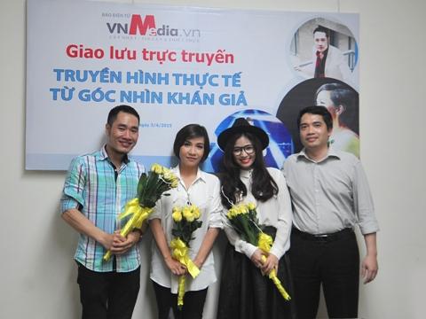 """Ca sĩ Mỹ Linh (thứ hai từ trái qua) tại buổi giao lưu """"Truyền hình thực tế từ góc nhìn khán giả"""""""