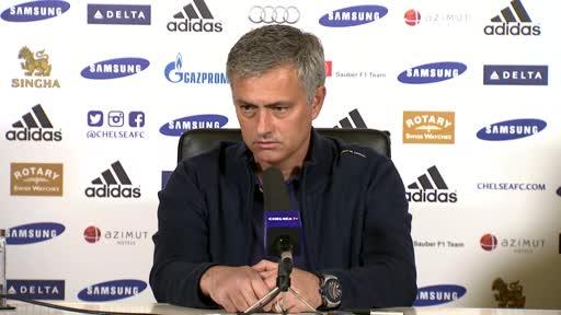 Ông Mourinho trong buổi họp báo trước trận gặp Crystal Palace