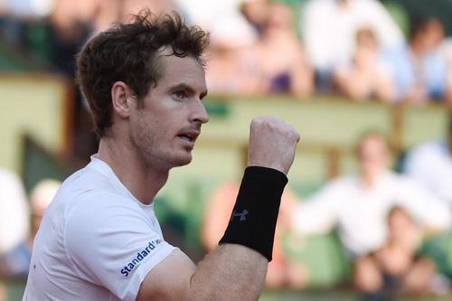 Andy Murray giành quyền vào vòng hai