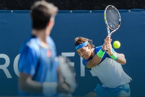 Nadal giành chiến thắng cùng với đồng hương Verdasco