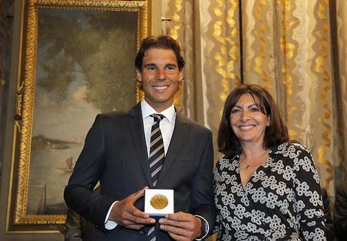 Nadal được tôn vinh nhờ thành tích 9 lần vô địch Roland Garros