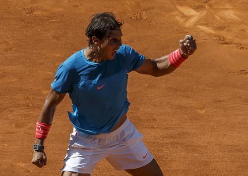 Nadal bùng nổ và giành quyền vào chơi trận chung kết