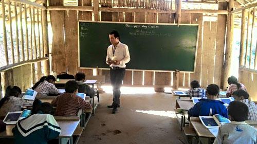Những lớp học thiếu thốn còn nhiều ở Sơn La