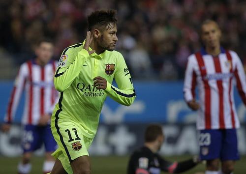 Neymar gỡ hòa 1-1 sau pha đua tốc độ gần nửa sân