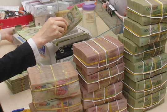 Sẽ thanh tra ngân hàng đổ nhiều vốn vào bất động sản, chứng khoán - Ảnh 1.