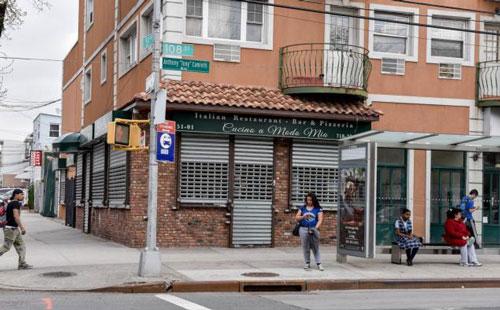 """""""Ông trùm"""" mafia Gregorio Gigliotti (ảnh nhỏ) và nhà hàng Cucino a Modo Mio, trung tâm điều hành mạng lưới buôn ma túy quốc tế Ảnh: UJRE VIEW-NY DAILY NEWS"""