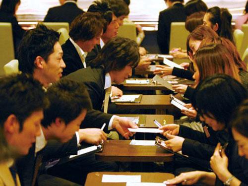 Người Nhật Bản tham gia câu lạc bộ hẹn hò để tìm người yêu Ảnh: Tokyo Foreigner