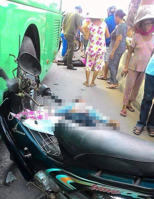 Những người tử vong tại hiện trường vụ tai nạn thảm khốc - Ảnh: Công Tuấn