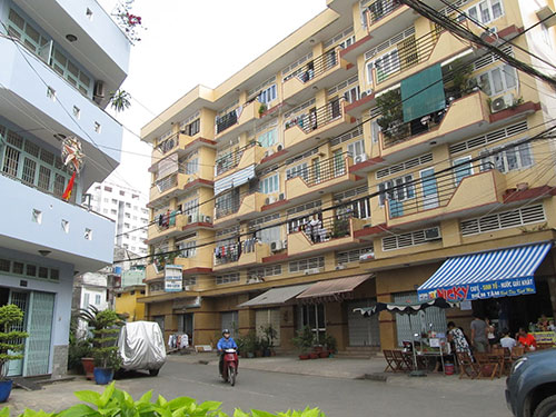 """Gần 10 năm qua, 48 hộ tại phường 7, quận Bình Thạnh, TP HCM phải sống """"nhờ"""" trong nhà của mình"""