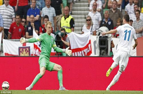 Nokanovic ghi bàn mở tỉ số cho Slovenia
