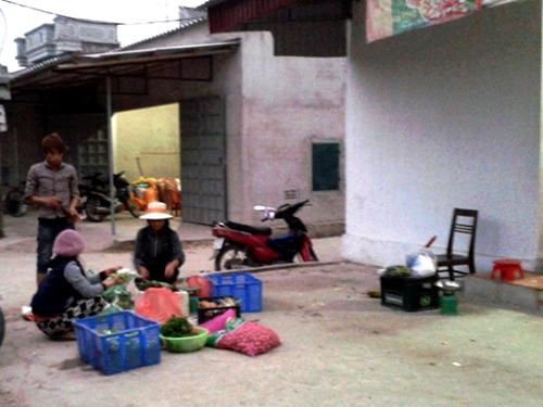 Khu vực tiệm tạp hóa nhà chị Xuyến, nơi ông C. nuốt tim chó dẫn tới tử vong