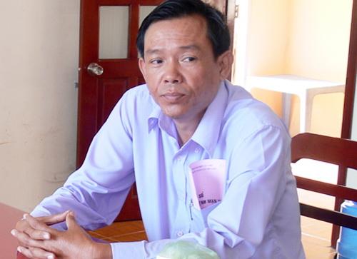 Ông Nguyễn Thiện Hồng lúc làm việc với Cơ quan CSĐT Công an tỉnh Hậu Giang  ( ảnh: Tâm Quân)