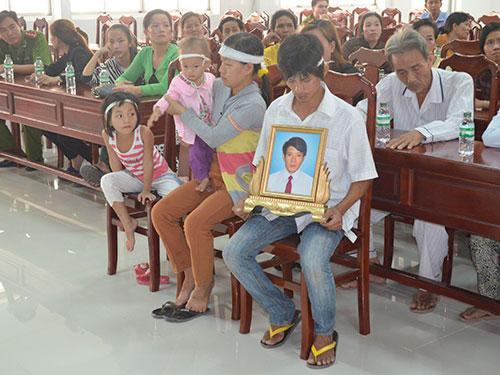 Gia đình đau đớn khi ông Sang qua đời. Ảnh: Nhật Thanh/NLĐO