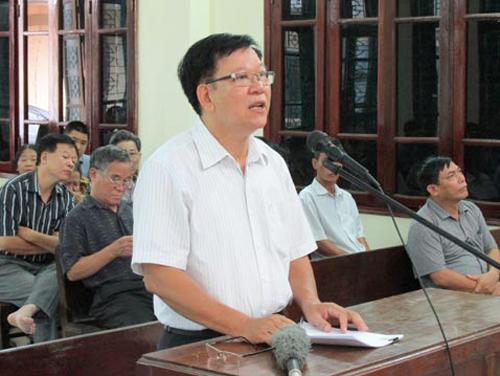 Ông Lương Ngọc Phi trình bày tại phiên tòa - Ảnh: Dân Việt