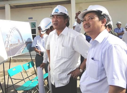 Ông Nguyễn Bá Thanh (trái) khi còn là lãnh đạo TP Đà Nẵng - Ảnh: Hoàng Dũng