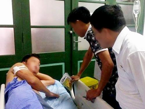 Ông Nguyễn Ngọc Quang nhập viện với 8 vết thương trên người