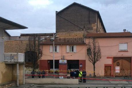 Hiện trường vụ nổ tại Villefranche. Ảnh: Le Progres
