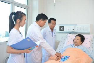 Bệnh nhân vừa được điều trị thành công bằng phương pháp mới.