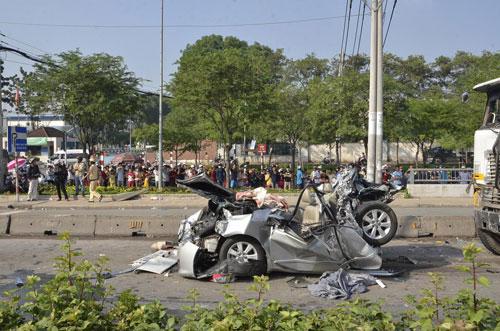 Hiện trường vụ tai nạn làm 5 người chết