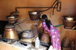 Một lò nấu rượu truyền thống Bàu Đá ở làng nghề Tân Long