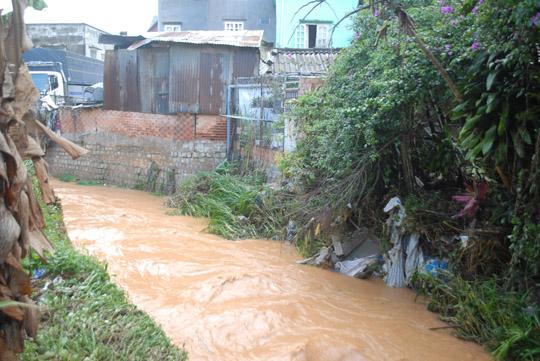 Khu vực suối Phan Đình Phùng - nơi chị Duyên bị nước cuốn trôi