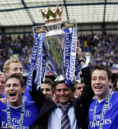 Chelsea vô địch Premier League 2004-2005