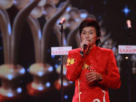 Nghệ sĩ Hoài Linh phát biểu nhận giải tại Mai Vàng 2014