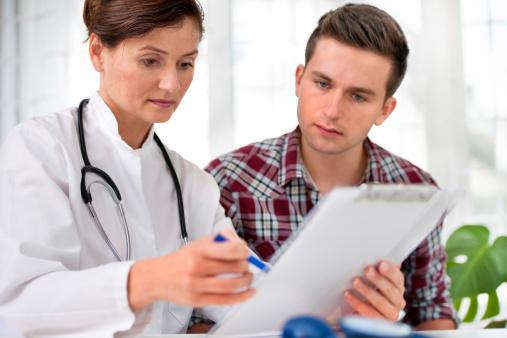Bận rộn đến mấy, bạn cũng nên đặt những câu hỏi dưới đây cho bác sĩ về căn bệnh ung thư