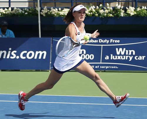 Radwanska vào tứ kết với Venus Williams