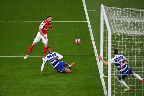 Aaron Ramsey và tình huống bỏ lỡ bàn thắng phút 82
