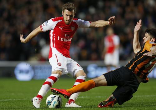 Aaron Ramsey ghi bàn thứ nhì cho đội khách Arsenal