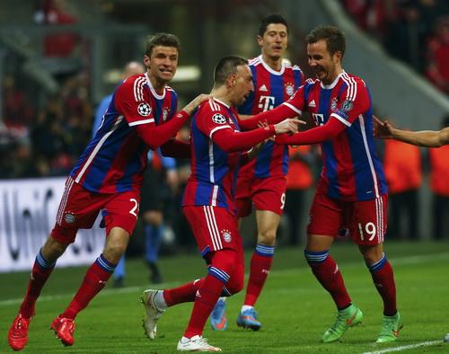 Bayern sẽ có được sức mạnh khủng khiếp khi Ribery và Robben sát cánh cùng Lewandowski, Mueller, Goetze