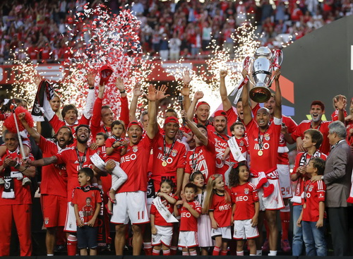 Benfica đòi lại vị trí số 1 Bồ Đào Nha từ Porto