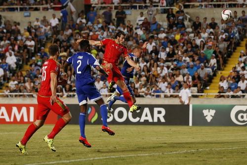 xứ Wales đang bay cao cùng sự thăng hoa của Gareth Bale (phải)