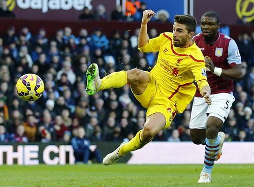 Fabio Borini ghi bàn cho Liverpool