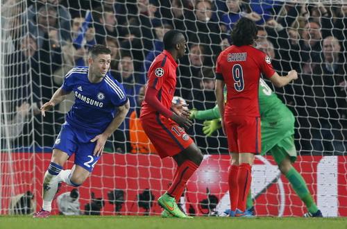 Hai lần Chelsea có cơ hội định đoạt số phận trận đấu nhưng không tận dụng được